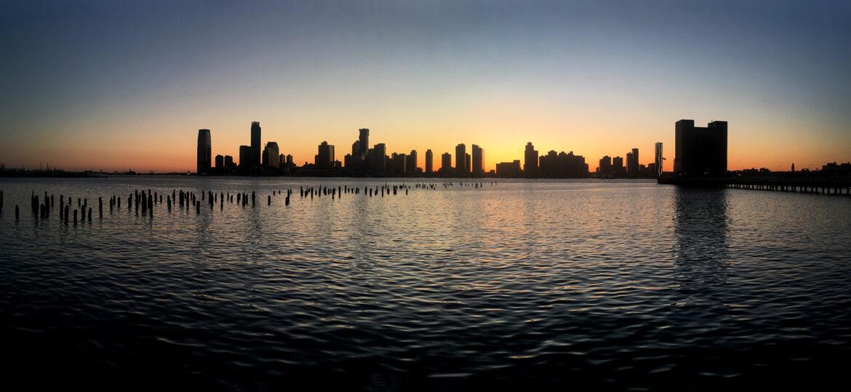 Paula Kelly : Riverside cityscape (#37), ca.2021.