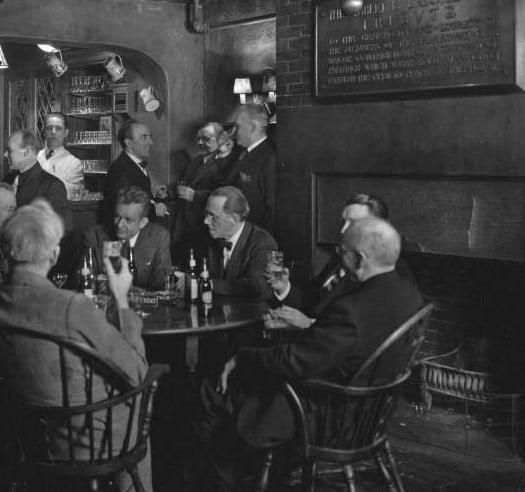 Bar10_c.1944_800_626-cropped